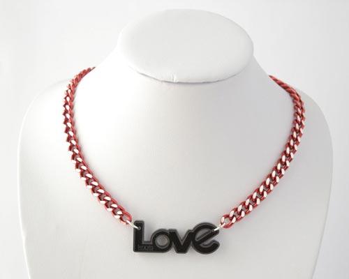 COLGANTE-LOVE