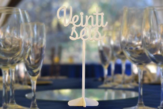 Mesero boda número escrito
