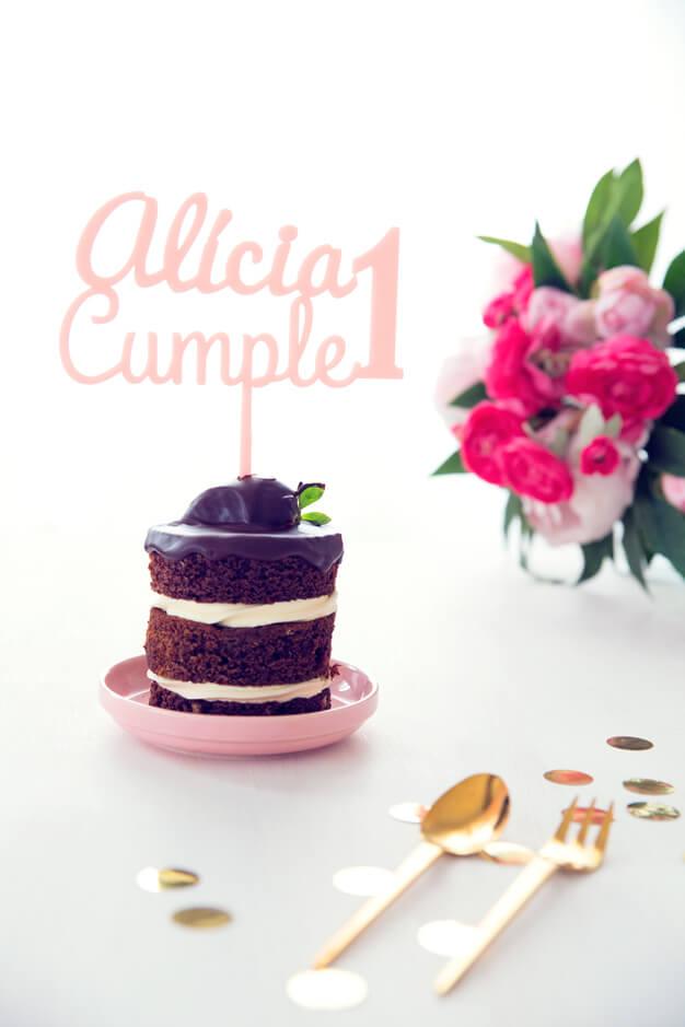 ADORNOS TARTAS CAKE TOPPERS CUMPLEAÑOS PERSONALIZADO Cake toppers personalizados con nombres para tartas.