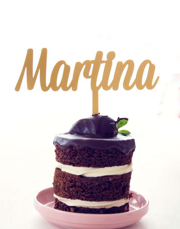 Cake Topper Personalizado Nombre para fiestas y eventos infantiles como cumpleaños, bodas, bautizos y otras celebracinos. ¡Descubre todos los modelos!