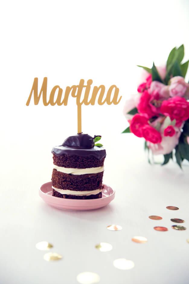 martina-red