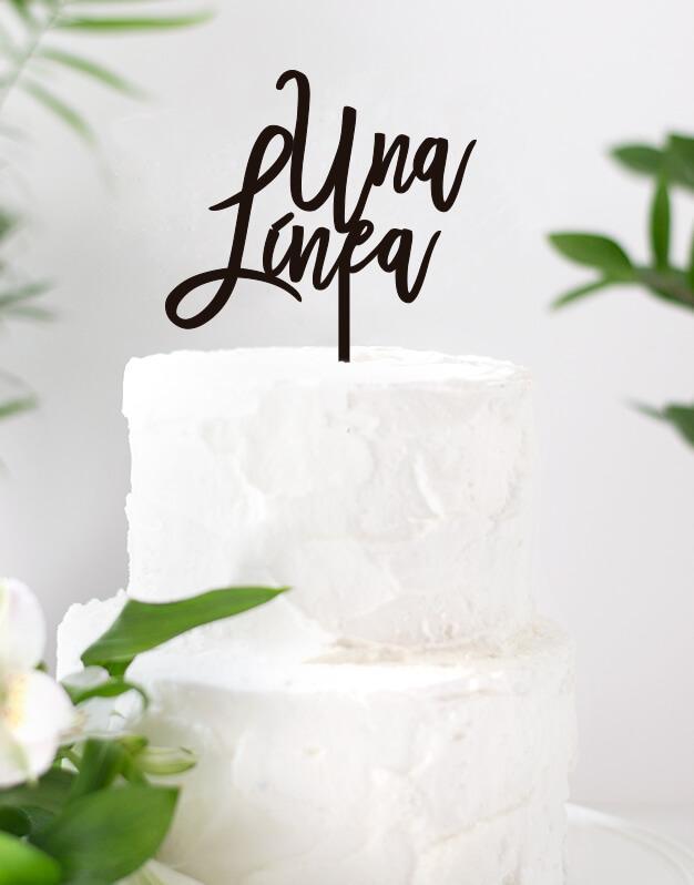 Cake Topper Personalizado 1 linea para fiestas y eventos infantiles como cumpleaños, bodas, bautizos y otras celebracinos. ¡Descubre todos los modelos!
