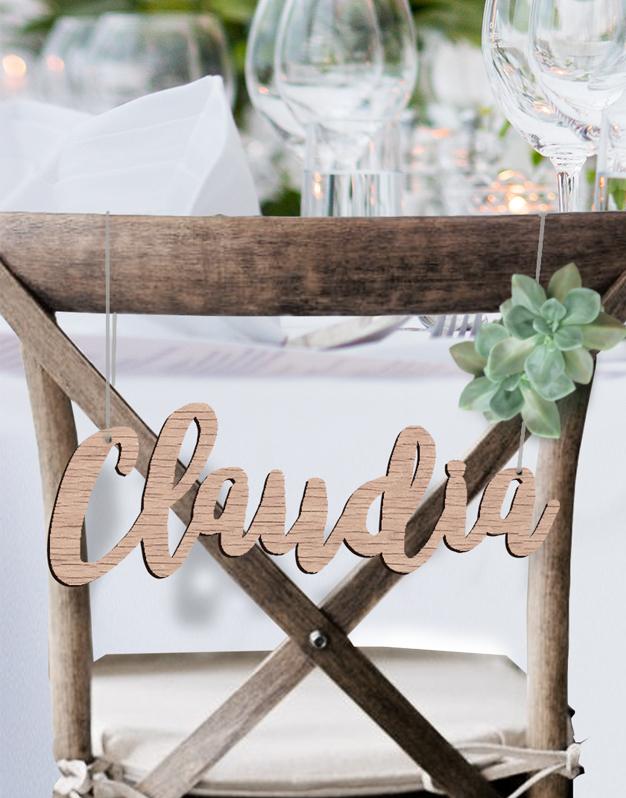 Carteles para sillas personalizados con los nombres de los novios knots made with love