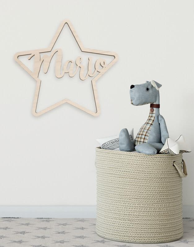 Estrella con nombre fabricada en madera perfecta para decoración diseño exclusivo knots made with love.