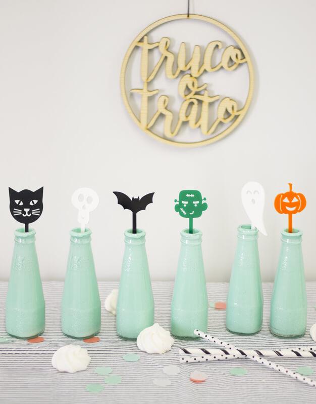 ¿Buscas un detalle único para Halloween? No te pierdas esta divertida colección de agitadores decoración fiesta para halloween Scaryknots para tus bebidas.