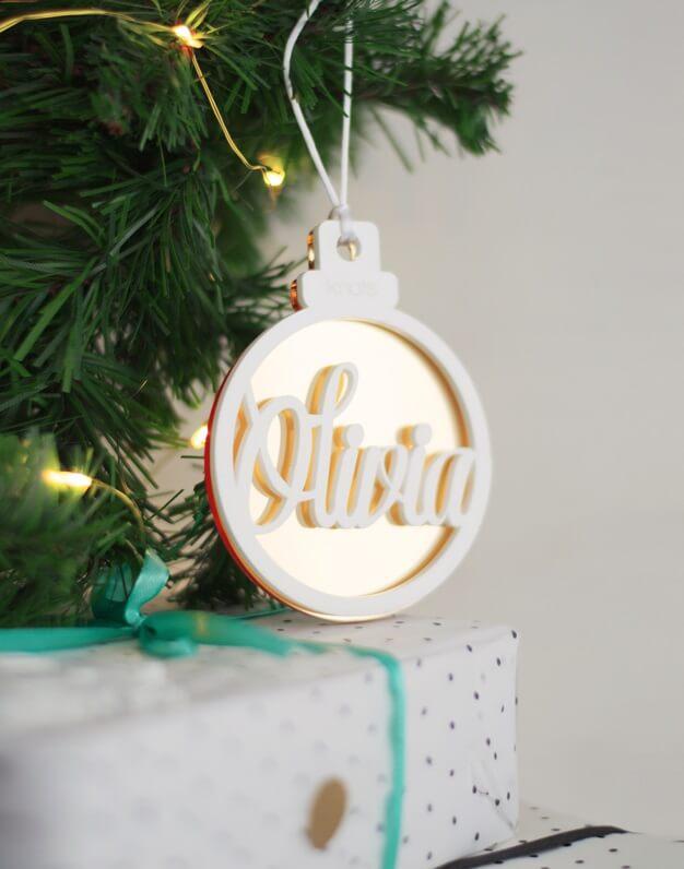 Fondo Naviknots DIY ¡Vivan los colores!. ¡Decora tu hogar con #naviknots, los adornos navideños que triunfan entre las celebrities! Desde 2014.