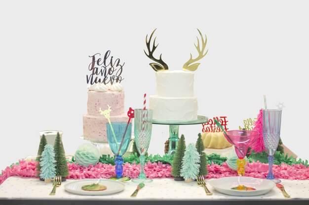 Descubre nuestro reno Navidad cake topper adorno para tarta para decorar tus dulces durante las fiestas preferidas por grandes y pequeños.
