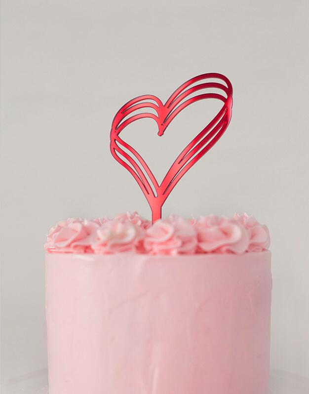 Este San Valentín, adorna tus pasteles con un corazón tripe. Descubre el cake topper heart corazón cake topper adorno paratarta en nuestra web.