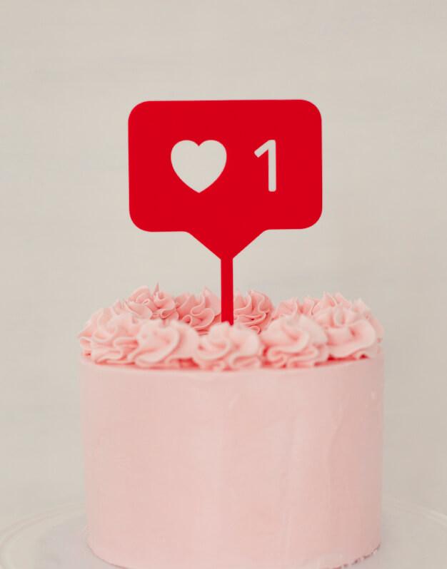 El cake topper para los Instagramers, Like Instagram cake topper adorno para tarta para sorprender a tus invitados y a tus seguidores de Instagram. ¡Descúbrelo!