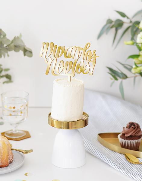 Vivan los novios script cake topper adornos para tarta boda perfecto. Descubre en nuestra web los adornos más originales para decorar tu tarta.