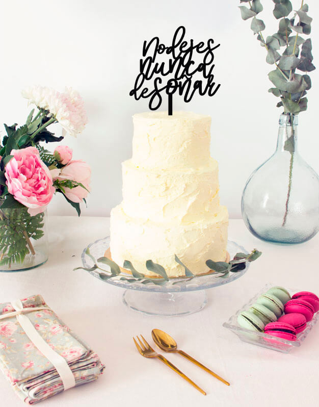 Nunca dejes de soñar cake topper adorno para tarta. Descubre este adorno para pastel único en knots made with love