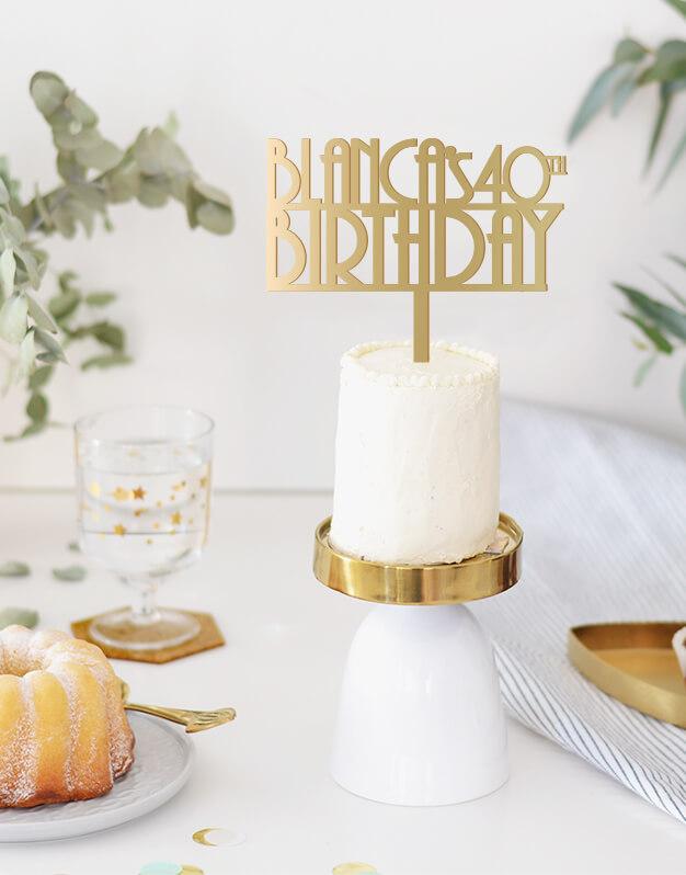 Nombre edad Birthday años 20 disponible en más de 30 colores. Descubre este adorno para pastel único en knots made with love