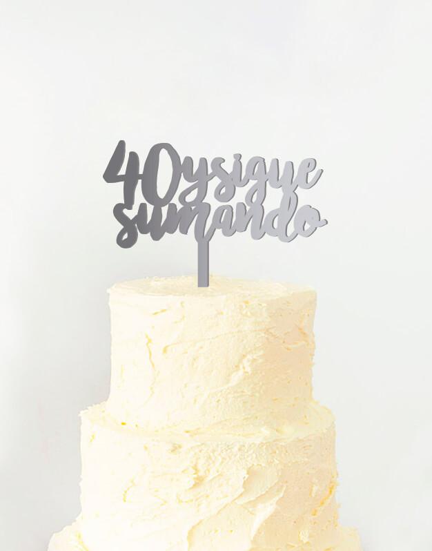 Cake topper adorno para tarta cumpleaños edad disponible en más de 30 colores. Descubre este adorno para pastel único en knots made with love