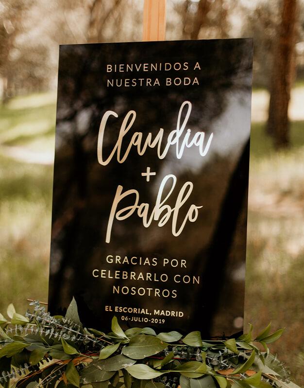 Elegante cartel rectangular personalizado para boda completocon mensaje bienvenida, agradecimiento, personalizado con los nombres de los novios, fecha y ciudad de celebración.