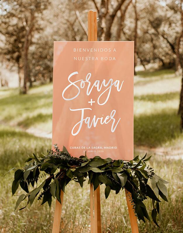 Elegante cartel rectangular personalizado para boda con nombres, fecha y bienvenidapara sorprender a tus invitados en su llegada con este diseño Knots made with love.