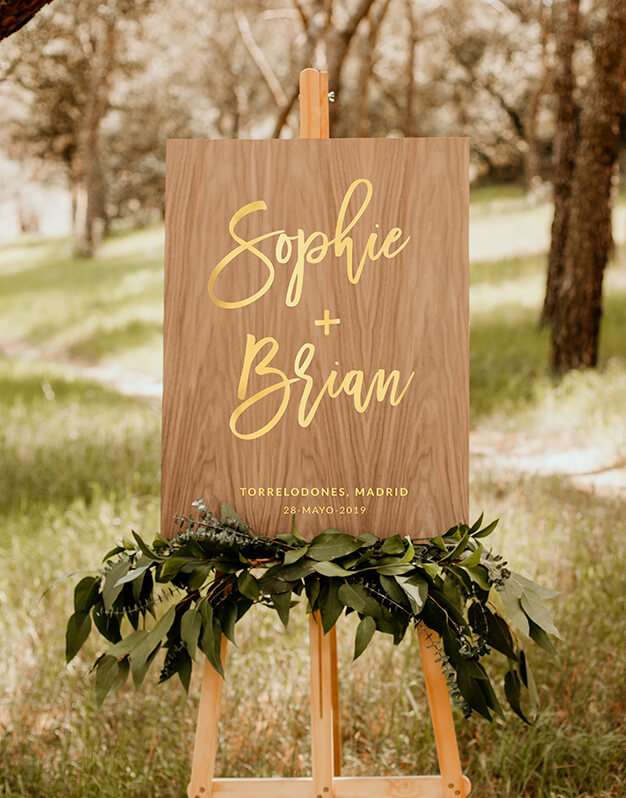 Cartel rectangular personalizado para boda con nombres, fecha y lugar Descubre este original colección de carteles de diseño exclusivo knots made with love.