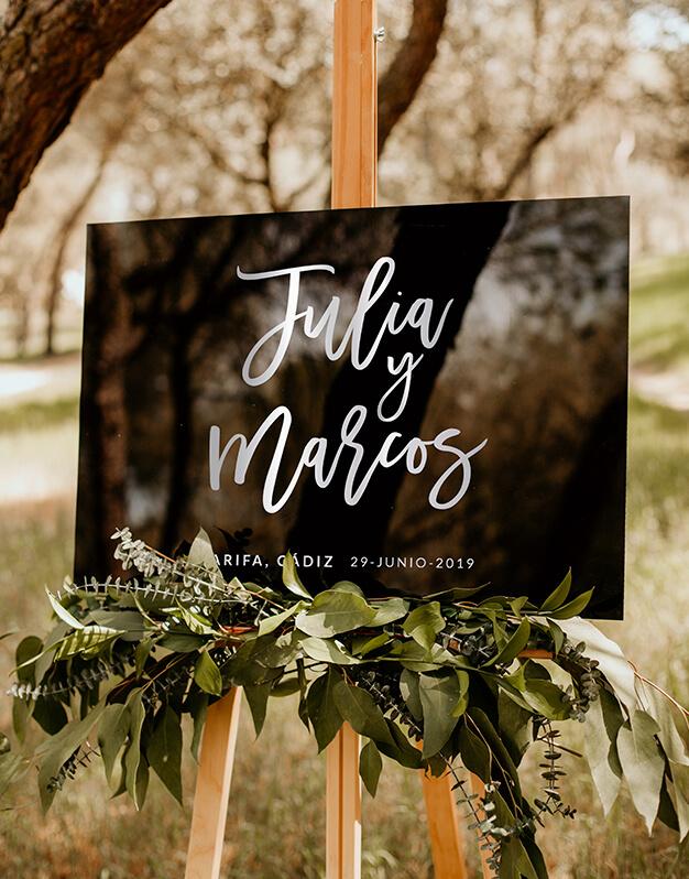 Cartel rectangular horizontal personalizado para boda con nombres, fecha y lugar Descubre este original colección de carteles de diseño exclusivo knots made with love.