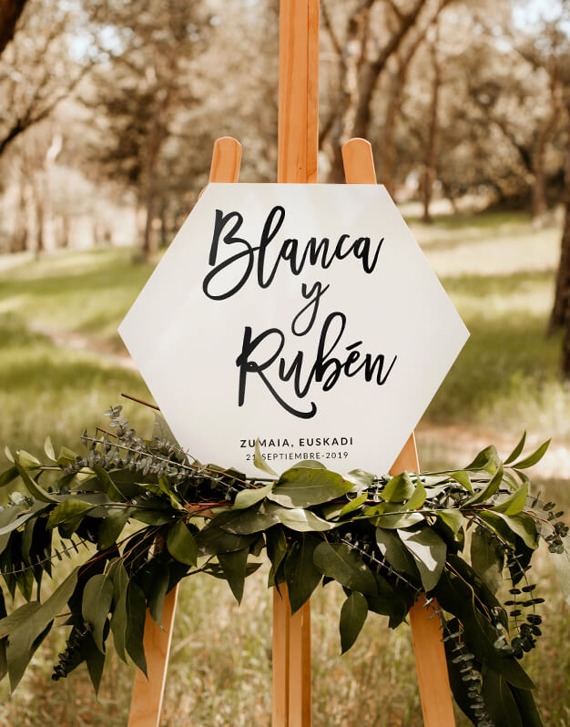 Elegante cartel hexagonal personalizado para boda con nombres, con o sin fecha y lugar de celebración. ¿Cuál es tu combinación favorita?