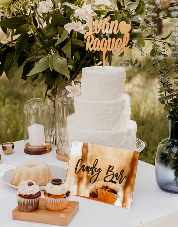 LetreroCandy Barpara decorar la zona más dulce de la boda. un elegante diseño bicolor. Descubre las combinaciones más originales en knots made with love.