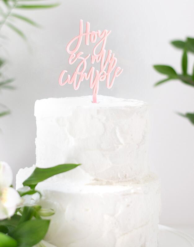 Hoy es mi cumple cake topper adorno para tarta - knots made with love Sorprende a tus invitados el día de tu cumpleaños con un adorno único. ¡Descúbrelo aquí!