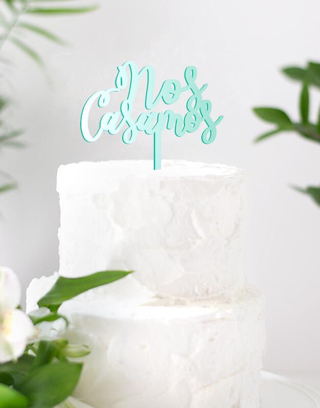 Nos casamos cake topper adornos para tarta boda o para una celebración romántica.Una propuesta original para sorprender y dar a conocer la gran noticia entre amigos y familiares.