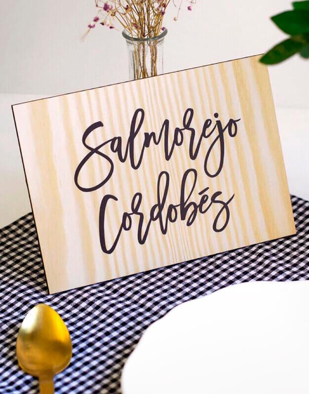 Letrero personalizado para cóctel. Descubre las combinaciones disponibles para personalizar tu evento con estos originales carteles de knots made with love.