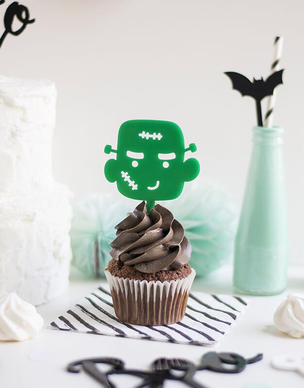 Mini Topper Monstruito para personalizar tus cupcakes en la fiesta de Halloween. No te pierdas la colección de Scaryknots que tenemos en la shop