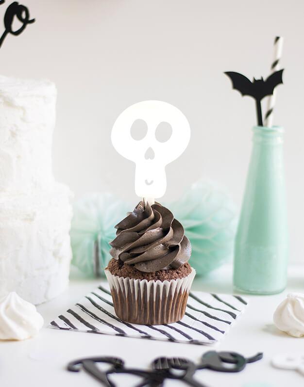 Mini Topper Calavera para personalizar tus cupcakes en la fiesta de Halloween. No te pierdas la colección de Scaryknots que tenemos en la shop
