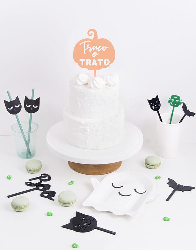 Este año decora tus dulces con Truco o Trato calabaza cake topper Halloween, si celebras Halloween ¡este es tu terrorífico knots! Descúbrelo
