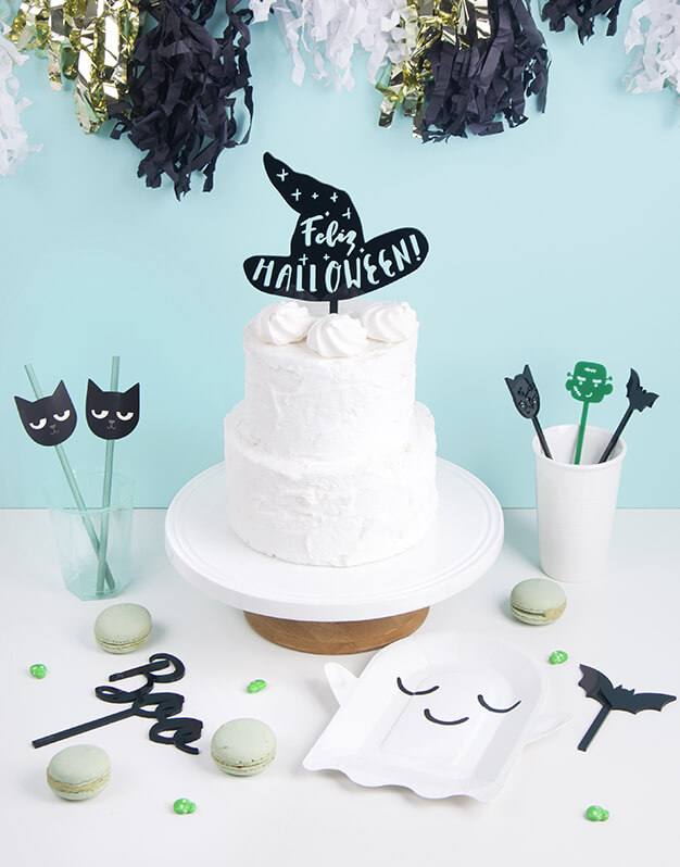 Este año decora tus dulces con Feliz Halloween gorro bruja cake topper, si celebras Halloween ¡este es tu knots! Descubre la colección mas terrorífica aquí.