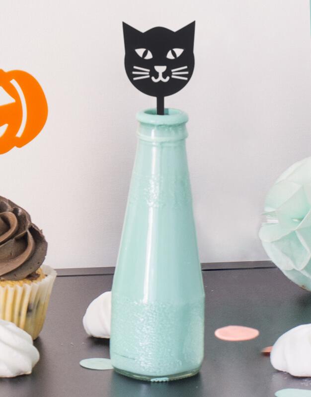 Set 5 Agitadores Gato Negro para personalizar tus cócteles en fiesta de Halloween. No te pierdas la colección de Scaryknots que tenemos en la shop