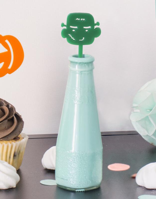 Set 5 Agitadores Monstruito para personalizar tus cócteles en fiesta de Halloween. No te pierdas la colección de Scaryknots que tenemos en la shop
