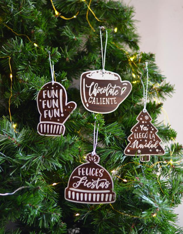 Set Adornos Sweet Navidad para decorar el árbol de Navidad. No te pierdas la colección de naviknots de knots made with love hecho en Madrid.
