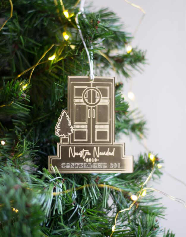 Adorno Navidad Personalizado puerta.¡Decora tu hogar con #naviknots, los adornos navideños que triunfan entre las celebrities! Knots made with love