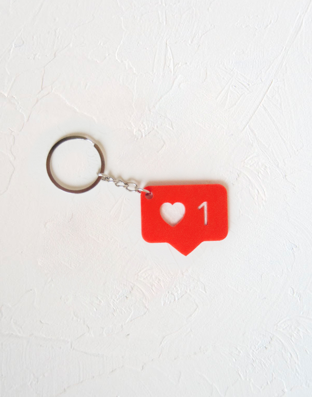 Llavero like perfecto para llevar en tus llaves de casa, coche o colgar en tu mochila o bolso. Descubre este y otros muchos diseños únicos knots made with love.