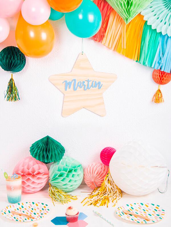 No te pierdas estos originales carteles PoligoKnots sólido con nombre en color en forma de estrella, hexágono, círculo y rombo perfecto para deco infantil, ¡descúbrelo!