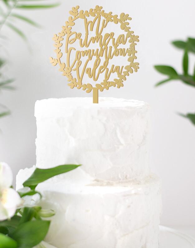 Mi Primera Comunión cake topper personalizado para tartas de comunión, descubre el nuevo diseño en formato corona para esta bonita celebración.