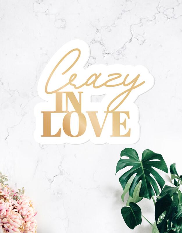 Crazy in love cartel para bodas y eventos. Este cartel de diseño único quedará espectacular como photocall o para la bienvenida en tu boda. Colócale una tira led alrededor o detrás y tendrás un cartel iluminado único.