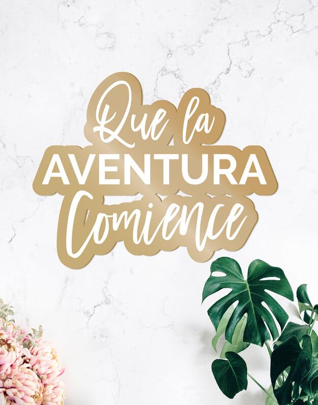 Que la aventura comience cartel para boda y eventos, este cartel de diseño quedará fantástico como fondo de phtocall o en la recepción de tu evento. Descúbrelo