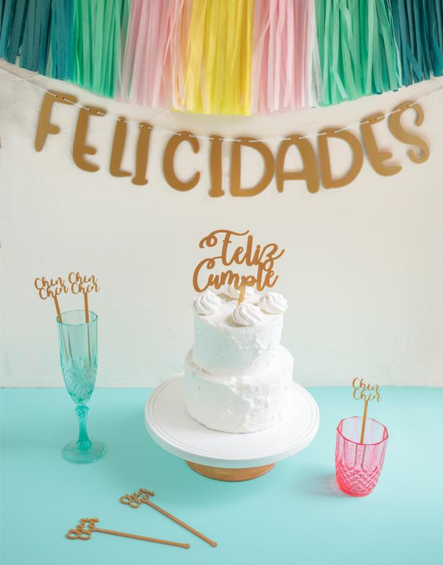 Pack cumple en casa para decorar tu fiesta, también puedes enviarle este kit para decorar tu fiesta a tus familiares o amigos. Descúbrelo en knots.