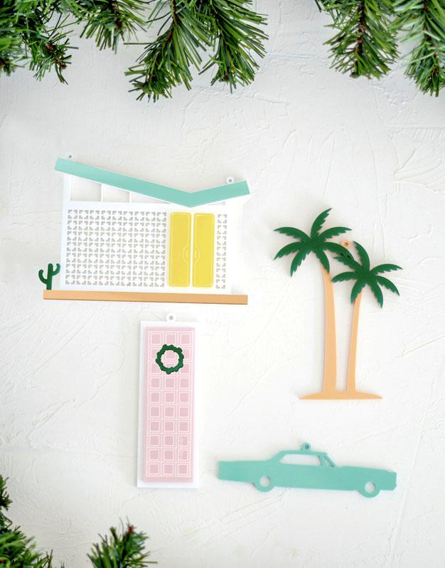 Adornos de Navidad Palm Springs decora tu árbol de navidad con estos originales detalles de la ciudad desértica. ¡Descubre nuestra colección de viajes!