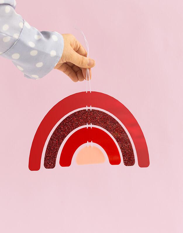 Arcoíris Adorno Pared Rouge da un toque de color a cualquier rincón de la casa con esta original decoración. ¡Descubre más modelos!