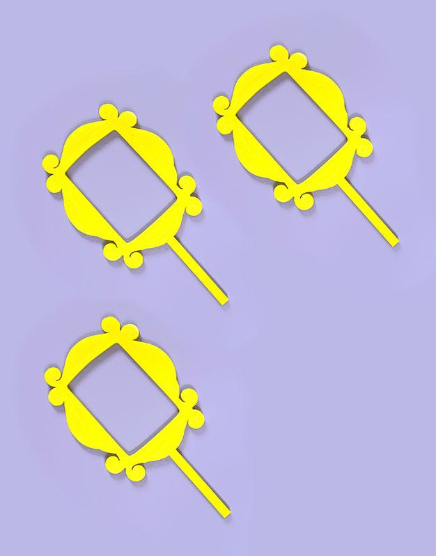 Mini cake topper Marco mirilla amarillo inspirado Friends knots made with love para los amantes de las series en la ciudad de Nueva York.