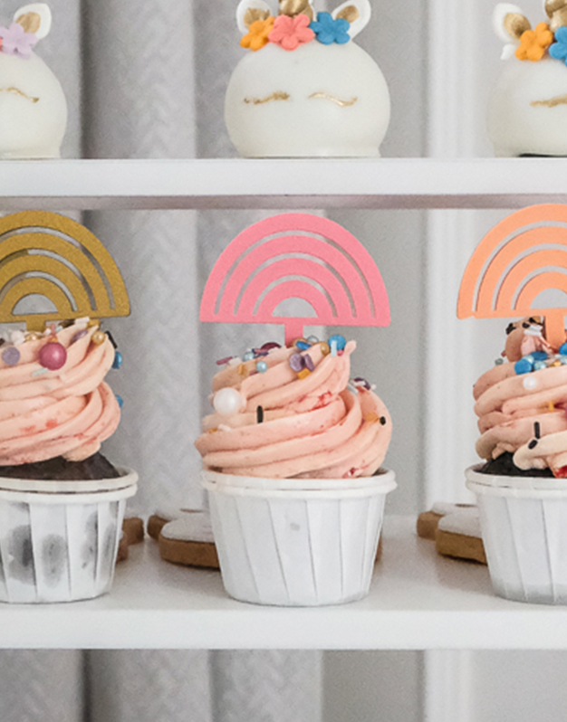 Mini toppers Arcoíris fiesta unicornios y colores elige el color que quieras. ¡Descúbrelo en Knots y decora tu celebración al detalle!