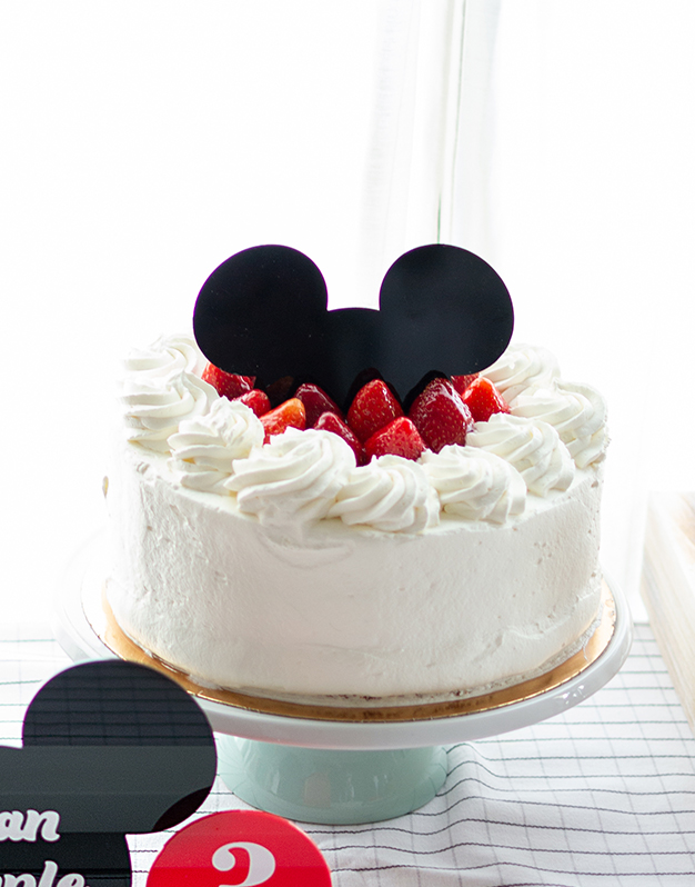 Cake topper media silueta sólida ratón M. Mouse o ratoncita para coronar tartas en celebraciones temáticas del ratoncito más famoso del mundo.