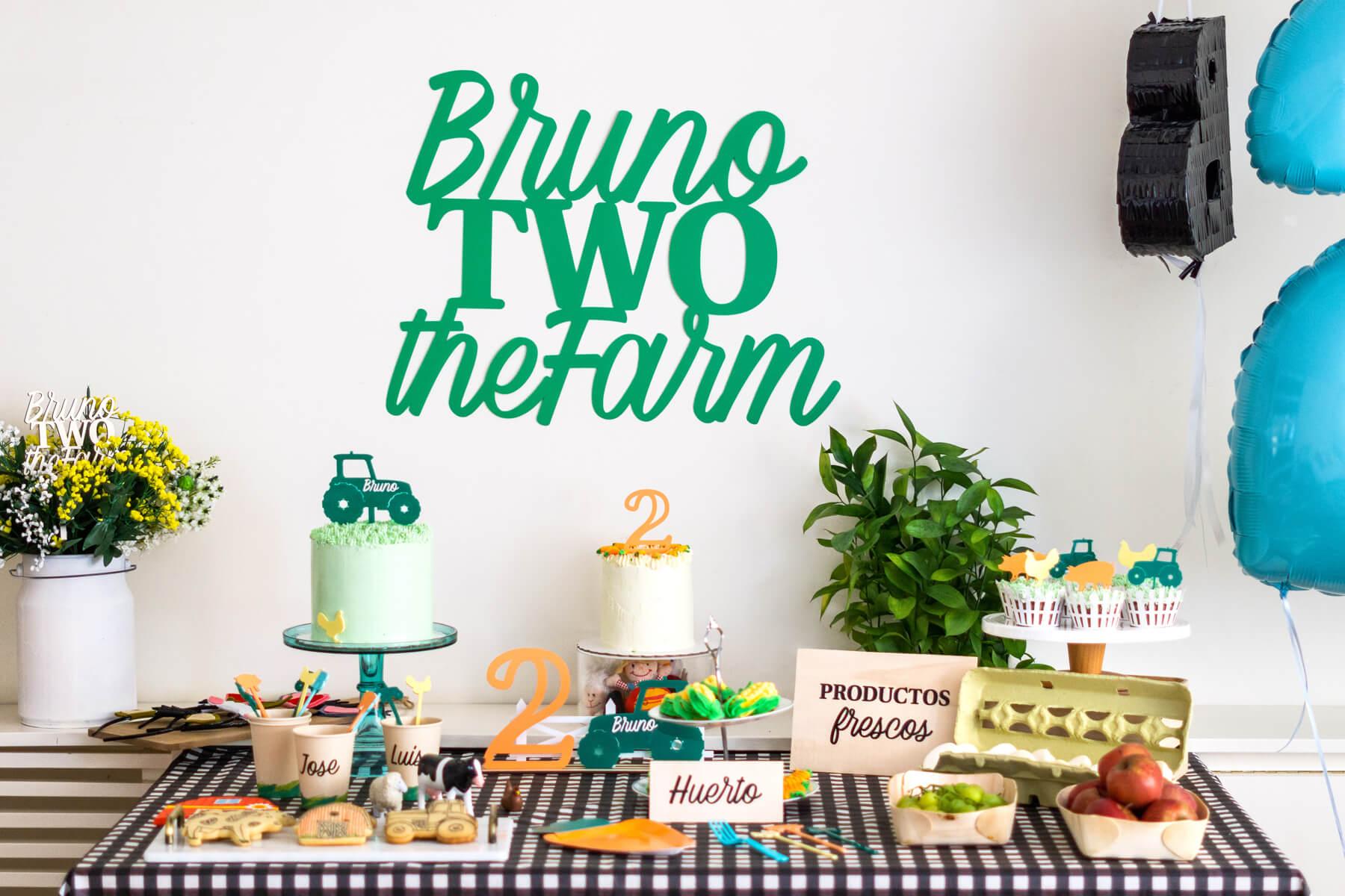 Fiesta cumpleaños de granja el segundo cumpleaños de Brunito no podían ser solo tractores. Descubre la granja según el universo knots.